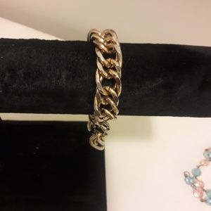 Gold tone vintage chain link braclet